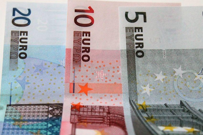 5, 10 and 20 Euro bill Cash Cashmoney  Currency Notes Europe Currency Europe Trip Euroschein Geld Geldscheine Money Währung