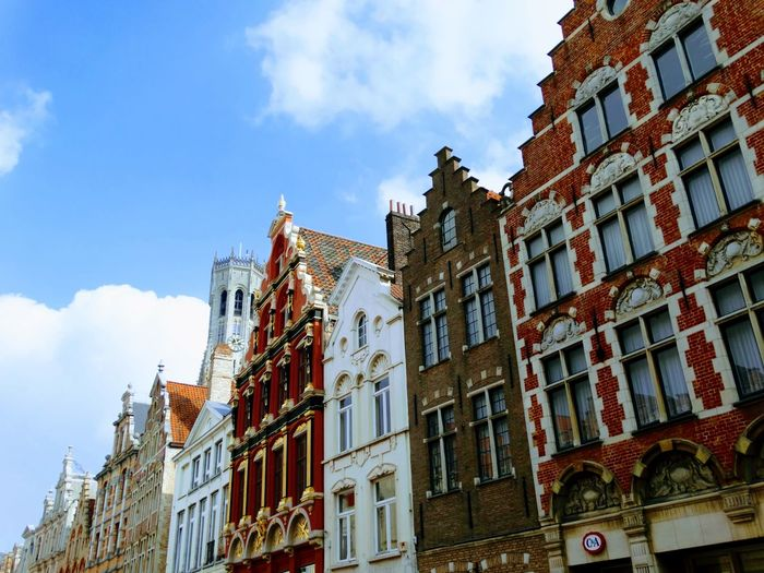 Architecture Window Low Angle View History Building Exterior Built Structure Sky No People City Outdoors Day Belgium Flamand Architecture Low Angle View Brugges Vacations Travel Travel Destinations Tourism Architecture Downtown District Cityscape Flamand Brugge City The Architect - 2018 EyeEm Awards
