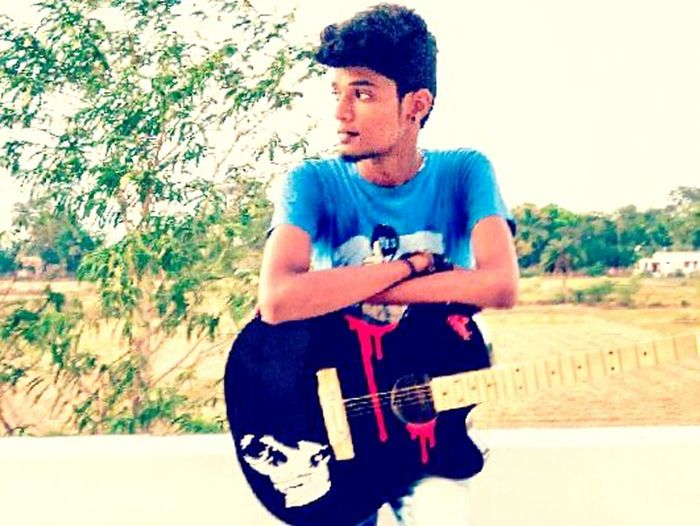 Fun wid Strings n Wind That's Me Check This Out Hanging Out Guitarist Music Love ♥ Life Fashion Photographer Street Photographer JP Photografy Relaxing