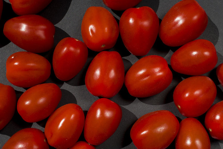 Abundance Arrangement Backgrounds Close-up Directly Above Dose Food Food And Drink Freshness Healthcare And Medicine Healthy Eating Indoors  Large Group Of Objects Medicine No People Pill Red Still Life Tomato Wellbeing