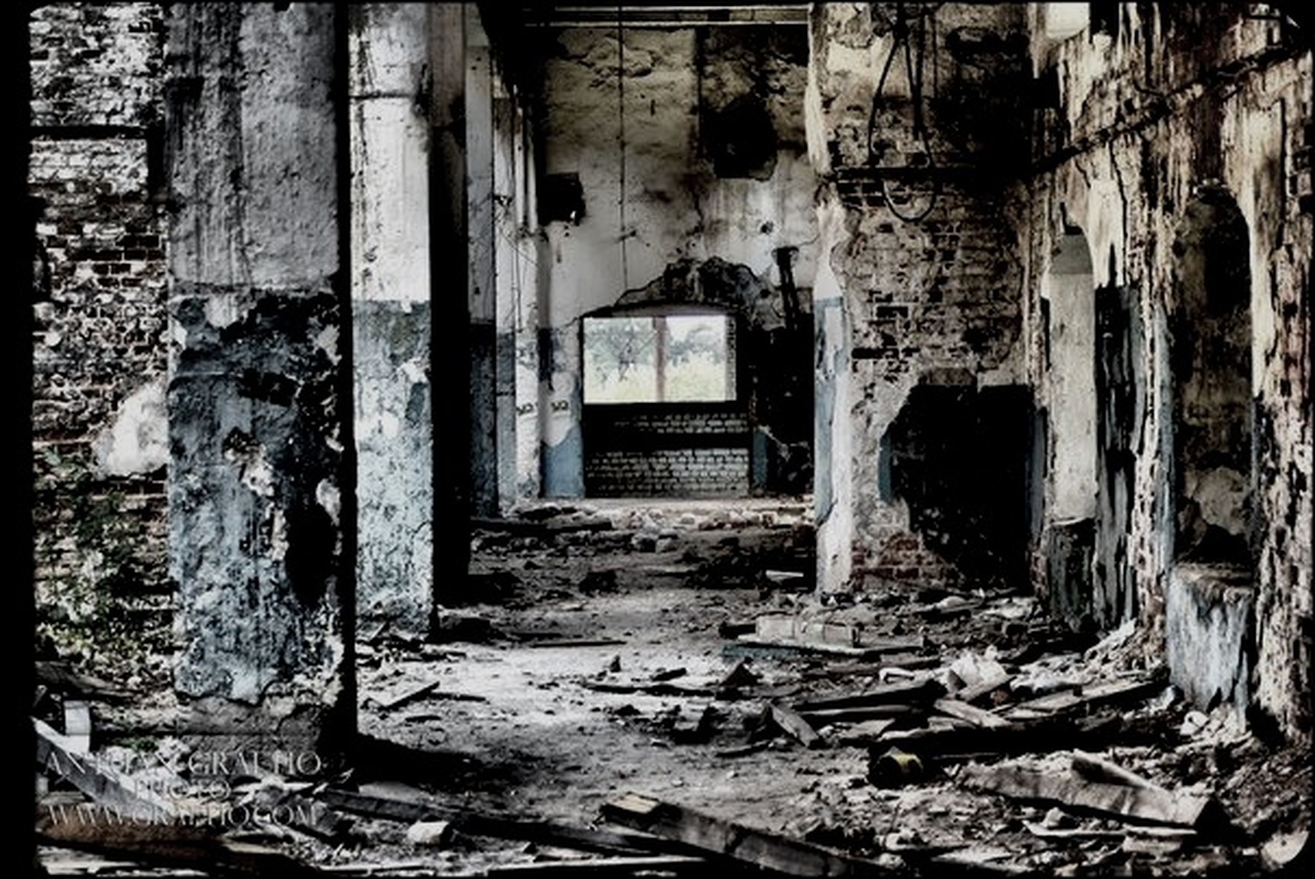 abandoned, obsolete, damaged, deterioration, run-down, old, built structure, architecture, bad condition, destruction, weathered, ruined, messy, broken, old ruin, house, building exterior, dirty, wood - material, day