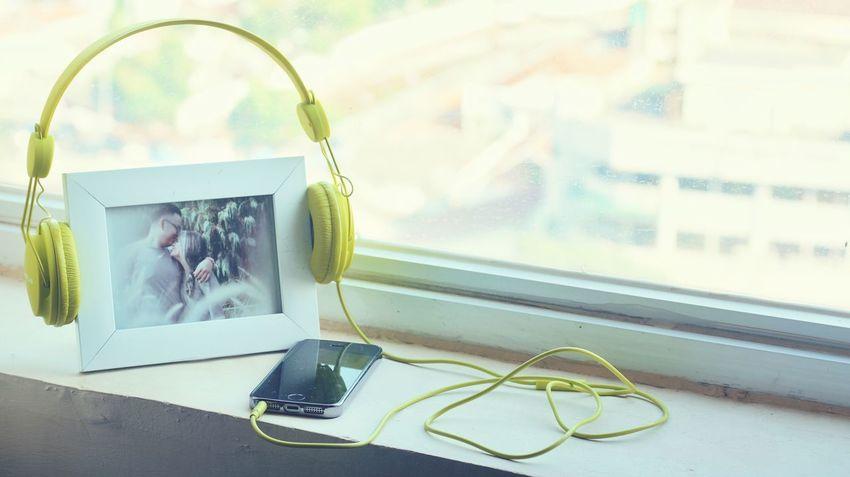 Headphones Earphones Music Song Playlist Moments Couple Green Color Itunes Market Reviewers' Top Picks
