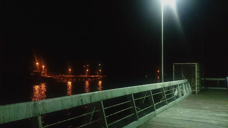La vida no se mide en minutos se mide en momentos.. Chile Night Chañaral Muelle Moment