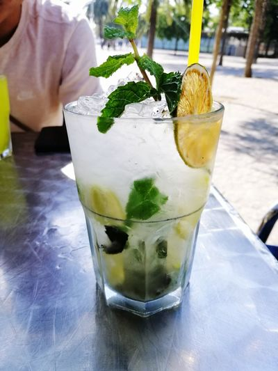 Mojiiito Mint Cocktail Cocktails Barcelona Holiday Freshness Drink Straw Mojito Tonic Water Mint Leaf - Culinary Cold Temperature Drink Alcohol Cocktail Drinking Glass Drinking Straw Ice Cube Lime Tropical Drink Bubble Served Citrus Fruit Rum Lemon Tree
