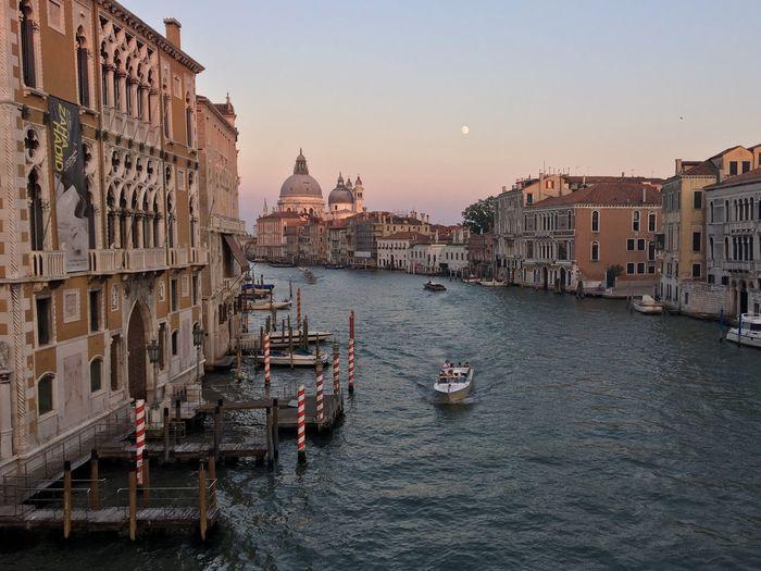 Veneza First Eyeem Photo Sunset Moon Italy Trip Bridge Water My Favorite Place