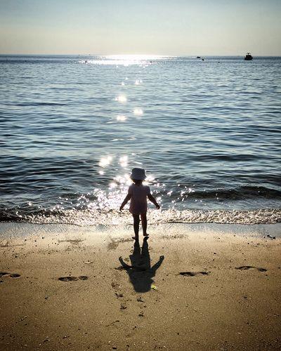 Beach Sand Seaside Children Girl Alone Atlantic Ocean Backlight Sunny Day Sunshine Shadow Reflection Landscape Nature Eye Em Nature Lover Nature Photography Naturelovers La Baule Bretagne Breizh Mmaff From My Point Of View EyeEm Gallery Eye4photography  Taking Photos