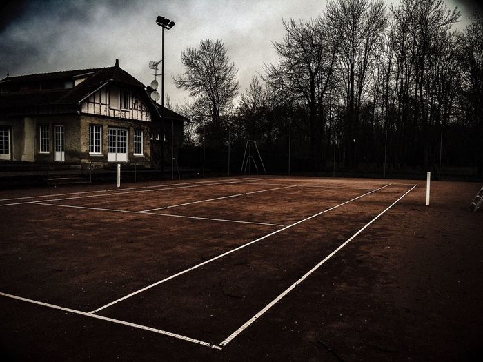 Tennis 🎾 Tenniscourt Club Clubhouse Tct TENNIS CLUB TROYES Winter Tranquility Hiver Couleurs Paysage Outdoors Tennis Court Contrast Mystery