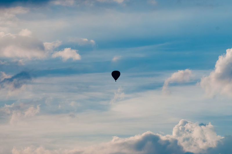 Adventure Air Vehicle Balloon Beauty In Nature Cloud - Sky Day Flying Freedom Hot Air Balloon Low Angle View Mid-air Nature No People Outdoors Scenics - Nature Sky Sunset Tranquil Scene Tranquility Transportation