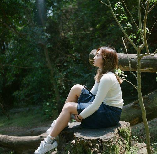 Showcase April Hello World Tree Girl Portrait Of A Woman Portrait Portrait Of A Friend Best EyeEm Shot Film EyeEm Best Shots HongKong Relaxing Lubitel 166+ The Portraitist - 2016 EyeEm Awards