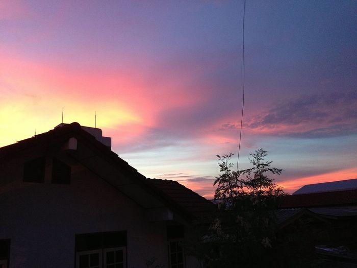 Clouds And Sky Sunset #sunset #sun #clouds #skylovers #sky #nature #beautifulinnature #naturalbeauty #photography #landscape Enjoying The Sun