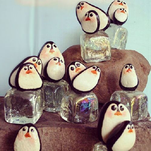Lotsa penguin rocks! I want! Addiction Penguin Customizedrocks
