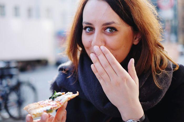 Omnomnom Portrait Portrait Of A Friend Portrait Of A Woman Portrait Of A Pizza Pizza Pizza Time Omnomnom In My Mouf Fresh 3