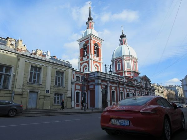 Car Church Porche Red City Travel Destinations Luxury Road Cityscape Architecture My City View My City My Love Srteetphotography Sunny Day 🌞 Colors Of Sankt-Peterburg Sankt-Petersburg Russia