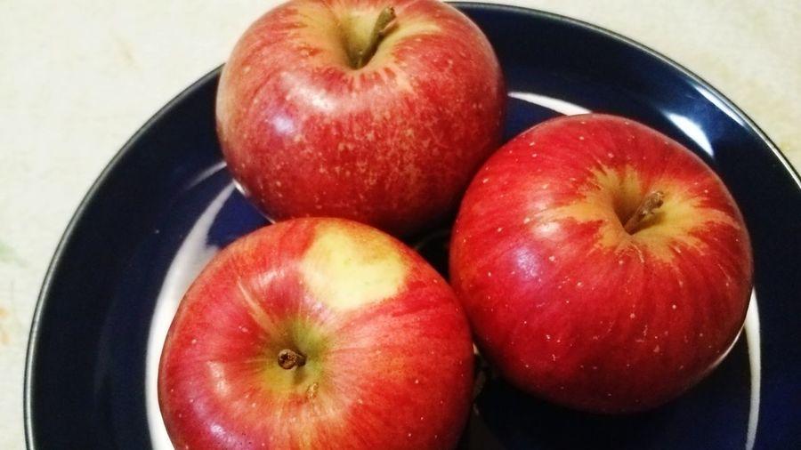 りんご Apples ハートマーク 付いてました❤なんか得した気分😄