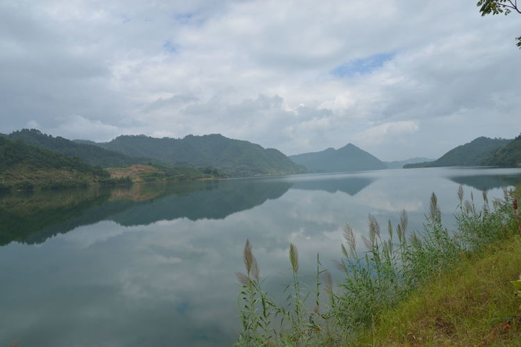 XinAn River Beauty In Nature Cloud - Sky Day Lake Mountain Mountain Range Nature No People Outdoors Plant Scenics Sky Tranquil Scene Tranquility Water
