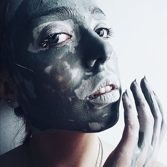 Not ordinary beauty means a clay mask that becoming a piece of art😁 Girlish Clay Mask Portrait Portrait Of A Woman Eyemphotography Eyeem Market Fine Art Photography Marulovesyou Bnw_collection Bnw Portrait Face Notordinarybeauty The Week Of Eyeem Colour Of Life