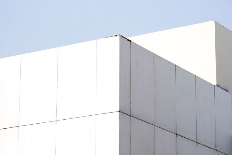Built Structure Architecture White Color Wall - Building Feature No People Building Exterior Sky Clear Sky Pattern Sunlight Low Angle View Day Nature Outdoors Building Geometric Shape Shape Blue Modern Design