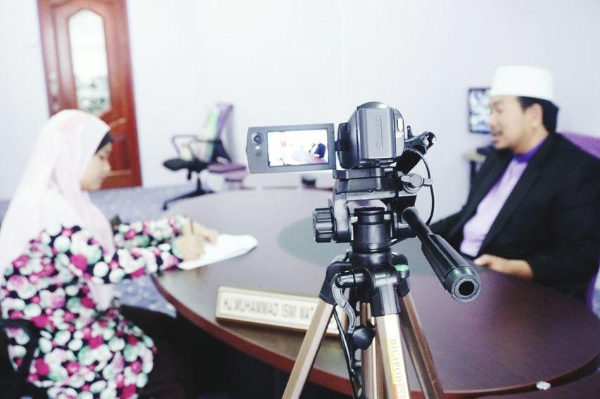 Just a handycam doing her job... Sonya6000 Kit Lens Handycam Job Interview