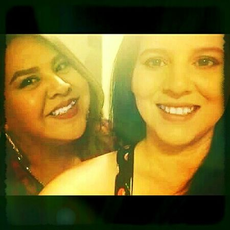 Enjoying Life Hanging Out Let Your Hair Down Taking Photos Best Friends Sister Love ♡ Sisterfromanothermister Ride Or Die