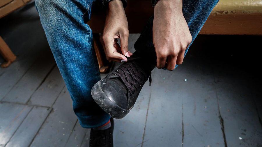 low section human leg Shoe Leg men toe sock feet Sandal human foot barefoot Shoes Shoes ♥ Shoes Of The Day Shoes <3 Shoesporn Low Section Human Leg Shoe Leg Men Toe Sock Feet Sandal Human Foot Sole Of Foot Nail Varnish Pedicure Toenail Canvas Shoe Human Toe Legs Crossed At Ankle Footwear Flat Shoe Human Feet Personal Perspective