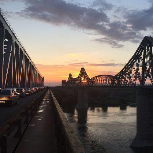 Sunset Bridge Trafic Jam Summer Stuck In Traffic Train Bridge No Filter Iphone 6
