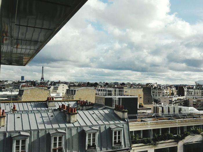 Paris Paris ❤ Paris, France  Paris Je T Aime Parisian Tour Eiffel Ciel Cielo Sky Nuages Toits De Paris Toits Toits Paris Toitsdeparis EyeEm Eyemphotography Eyem Gallery