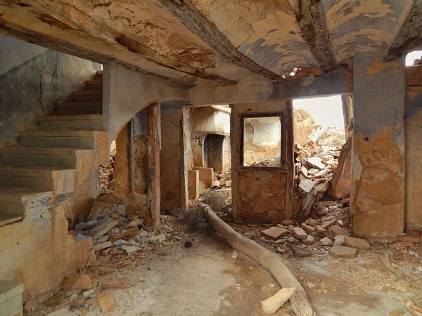 Indoors  Abandoned Window Architectural Column Damaged No People Bad Condition Architecture Desolate Lost Places Desolate Scene