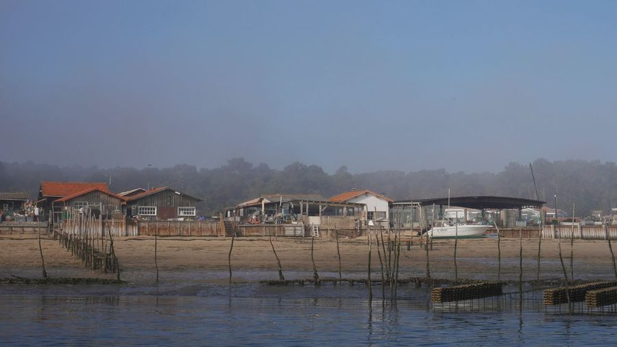 Cabane de Pêcheur sur le Bassin D'Arcachon Ostréiculture Huitres Village Nature Architecture Idyllic No People Waterfront Sky Fog Foggy House Beauty In Nature Sea Arcachon Nature Photography