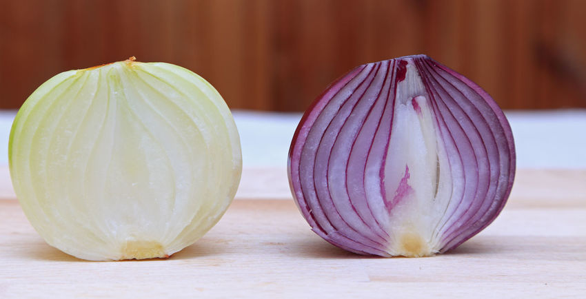 Onions Close-up Core Food Food And Drink Foodporn Freshness Halves Healthy Eating Ingredient Onion Onions Onions Halves Raw Food Red Onion Section Vegetable White Onion