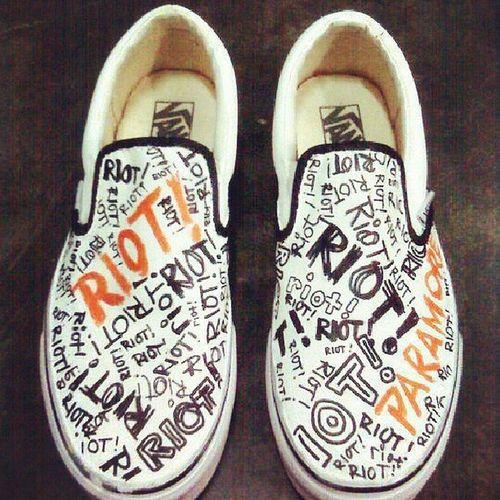Gusto ko din ng ganito. :( Paramonster Ilyhayley Paramore Vans shoes photonotmine