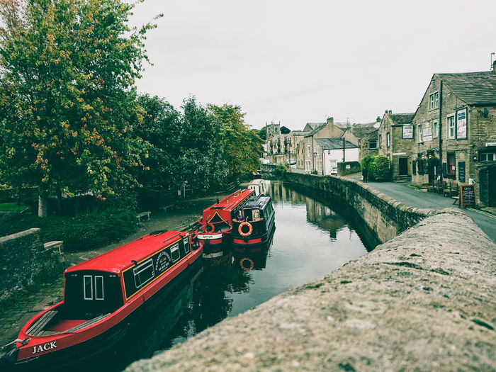 EyeEm Selects Water Nautical Vessel Outdoors No People Architecture Day Built Structure Building Exterior Moored Sky Nature England 🇬🇧 English Countryside English Heritage English Autumn Boat Skipton Europe Europa.Photos.Collection.Eyeem© Europe_gallery