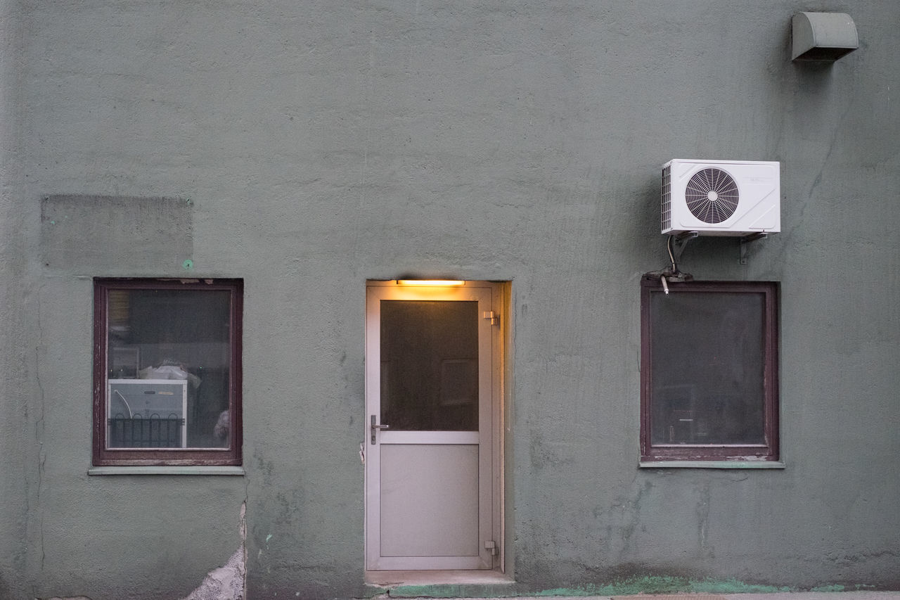 architecture, window, built structure, door, building exterior, no people, day, outdoors