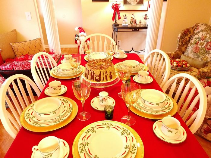 Table Food No People Home Showcase Interior Home Interior Christmastime Christmas Is Coming Christmas China Cakes