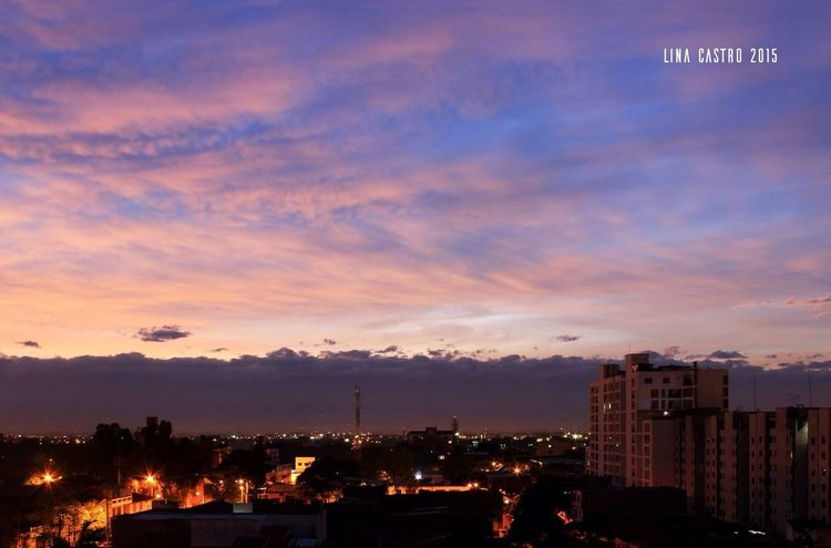 Amanecer n• 14 sigueme en fb https://www.facebook.com/amaneciendo365dias y en instagram http://instagram.com/amaneciendo365dias Amancer Amaneciendo Streetphotography First Eyeem Photo City Cali Colombia Panoramic Colombia ♥  Good Morning