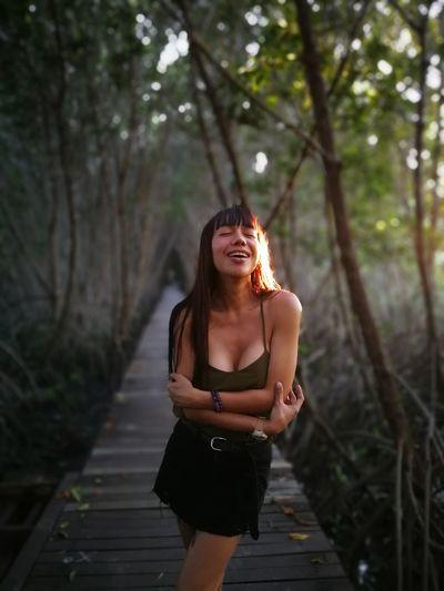 Uniqueness Thailand Huawei EyeEmBestPics EyeEm Best Shots Tree Green Wood Happy