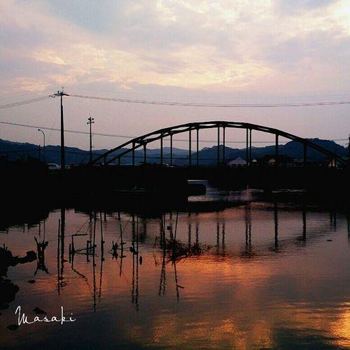 夕日 鉄橋 風景