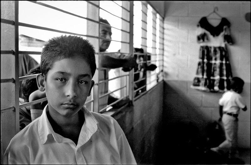 Escuela de Tamunangue en el Estado Lara. El Tocuyo, Lara State - Venezuela / Photography by Aaron Sosa / www.aaronsosaphotography.com www.aaronsosablog.com Children Venezuela Portrait Blackandwhite