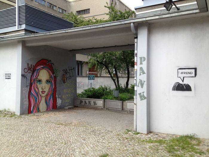 Berlin Streetart Volksbühne El Bocho