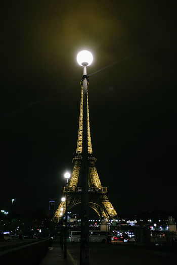Un moment. Architecture Building Exterior Built Structure City Illuminated Low Angle View Night Night Lights No People Outdoors Paris Night Sky Tour Eiffel Tour Eiffel Illumina Tour Eiffel, Paris. Travel Destinations
