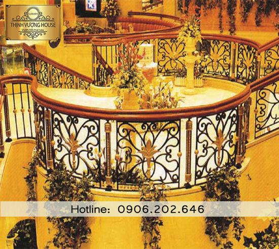 Bạn không cần đau đầu theo lối mòn cân nhắc chọn cầu thang bởi vẻ sang trọng mà cầu thang nhôm đúc mang lại cho ngôi nhà khiến bạn hài lòng trong tích tắc. Cau Thang Nhom Duc Mẫu Cầu Thang Nhôm đúc đẹp