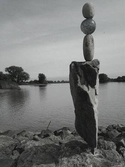 Rockbalancing Zenart Zenmoment Water City Tree Symmetry Sky