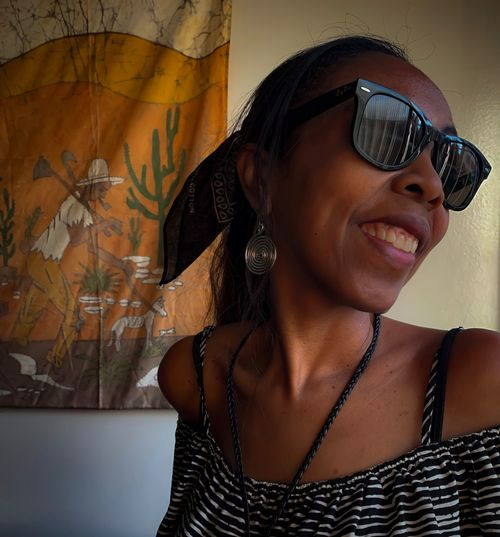 Black is beautiful Woman Black Woman Who Inspire You Woman Power Beautiful People Beautiful Woman Recife Leisure Activity Young Adult Smiling Fashion Toothy Smile Women Glasses Wall - Building Feature Happiness Hairstyle Teeth