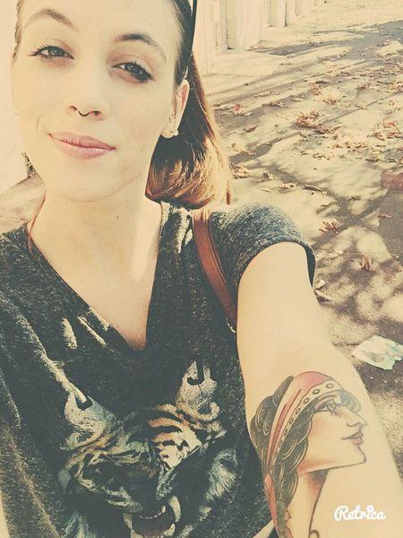 🚌BDX city Waiting Bus Comebackhome Girlwithtattoos  Girlwithpiercing Septum Peircing Smiley Piercing Oldshool Tattoo