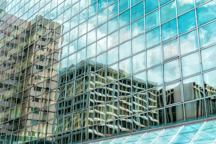 Day Full Frame Architecture Window Built Structure No People Low Angle View Backgrounds Outdoors Building Exterior Modern Close-up Sky Mirror Reflection Mood Captures Exceptional Photographs EyeEm Gallery Master Class Shape And Pattern City Low Angle View Cloud - Sky Modern Architecture Hong Kong