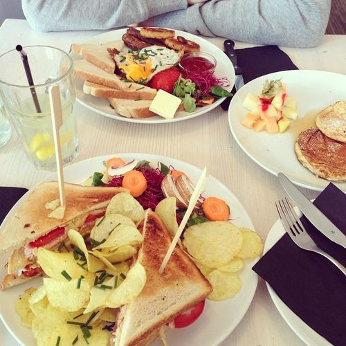 what a brunch! totally recommended! Hamburg Brunch Vondermotte Clubsandwich  Pancakes