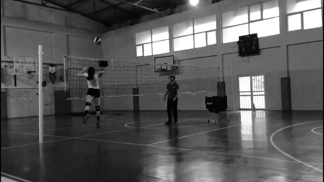 hey wassup im back #eyeem #volleyball #girl #EyeEmNewHere #JustMe #Volleyball #photography #blackandwhite