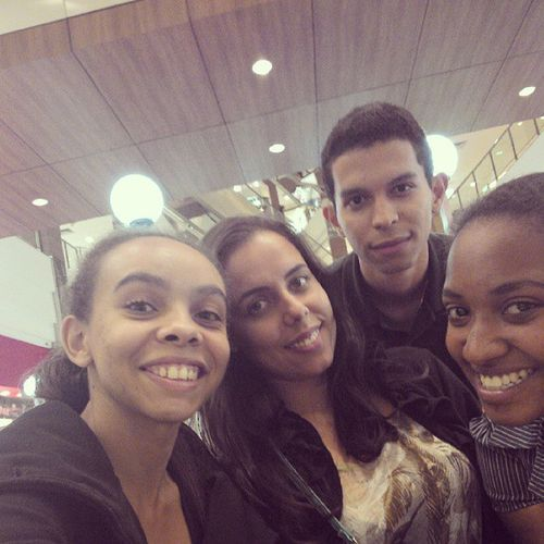 Shopping com os amigos Luama Tarine Marcos