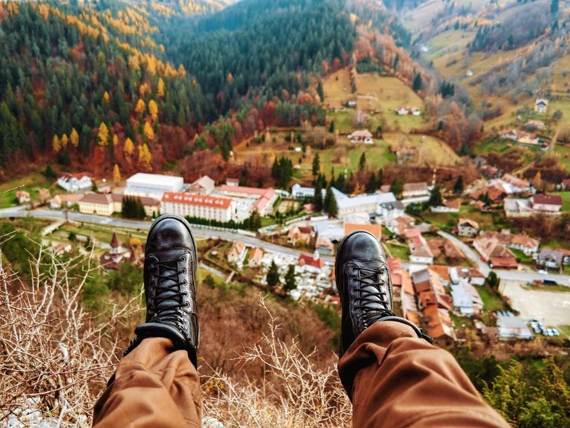 Goodbye to gravity... Travel Photography Hello World Travel Mountain Mountain View Mountains Altitude Beautiful Outdoors EyeEm Enjoying Life Having Fun Vscocam Eye4photography  Autumn Autumn Colors Made In Romania Telling Stories Differently Up Close Street Photography My Favorite Photo Hidden Gems  The Magic Mission Nature Found On The Roll Dramatic Angles Lost In The Landscape Go Higher Go Higher