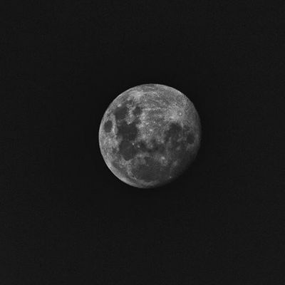E ela com todo seu charme veio nos iluminar Moon Lua  Fotografia Silvialexandre Photo Photography Photographer Photographos Euacreditonoamor Euamopretoebranco Sjctem Canon Canon_official @canonbr Eos7d 75x300 Aquiesaojose Blackandwhite Bwmasters