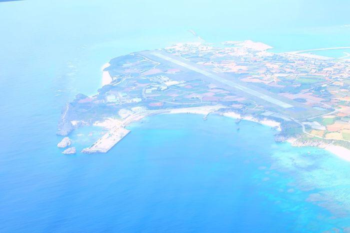 与論空港✈️上空から下を見る。 Yoron Island Sea And Sky Eyeemphotography Water Waterfront Sea Blue No People Beauty In Nature Outdoors Nature